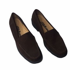 Cobbie Cuddlers Brown Leather Loafers Sz10